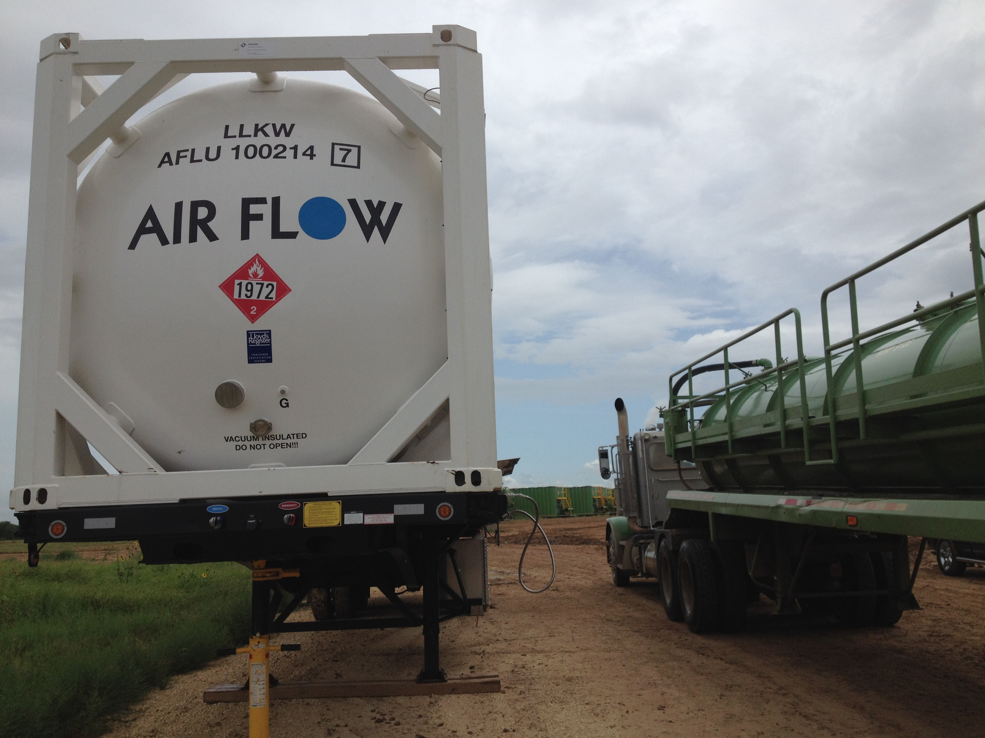 Air Flow 's 45ft iso tank container fueling LNG trucks-509x370
